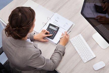 Форма расчета по страховым взносам 2017 – основные разделы. Ответственность при нарушении установленных сроков сдачи отчетности.