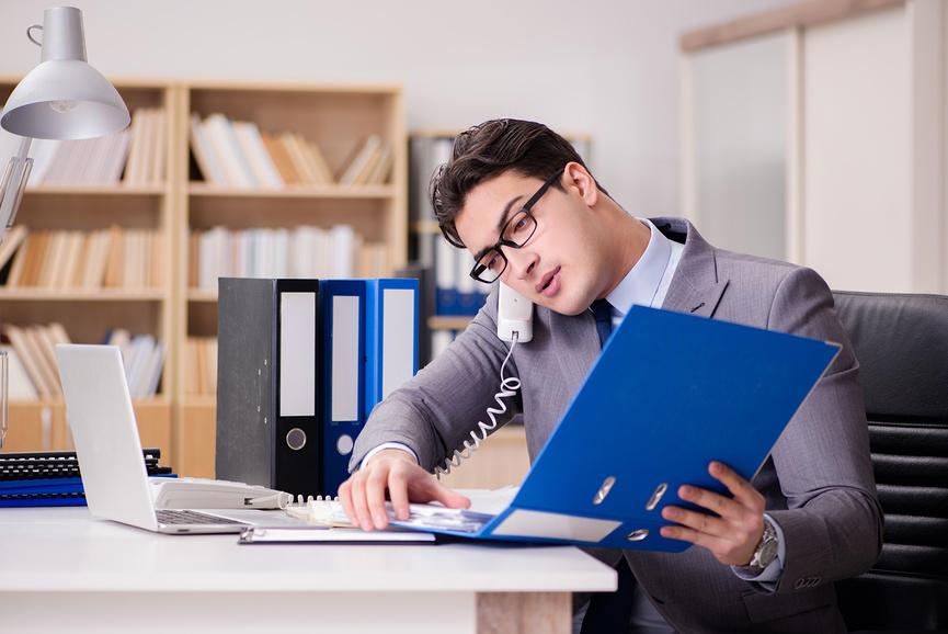 Что лучше: бухгалтер в штате или на аутсорсинге?