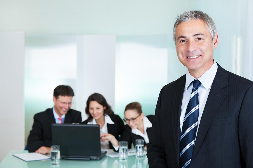 Принимаем на работу топ-менеджера: как проверить его послужной список?